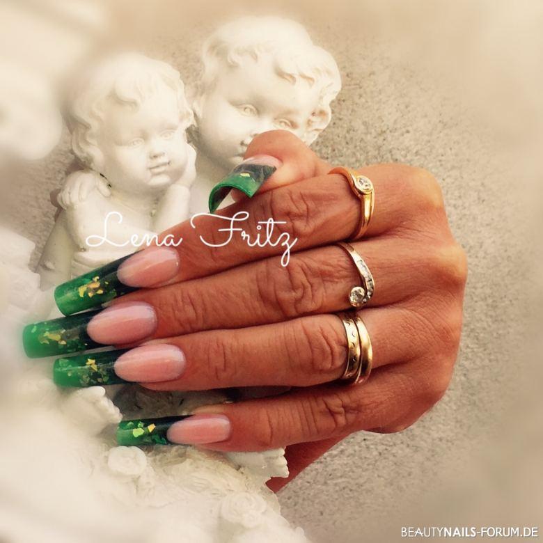 Acrylmodellage grün zweifarbig Acrylnägel