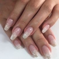 Pin by WikiLifeStyle on Nails   Lace nails, Feather nails