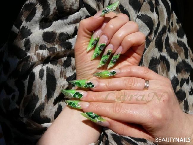 Edge Grün Acrylnägel