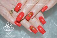 Kräftiges Rot-orange mit Strass, auffällige Nailart Acrylnägel