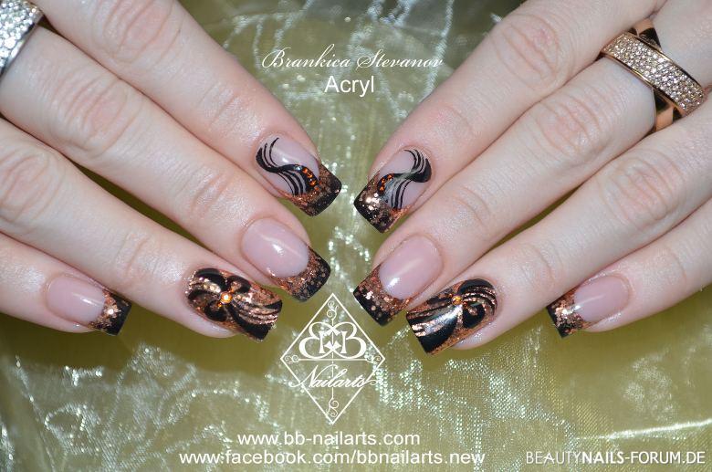 Nailart schwarz/gold mit Glitzer Acrylnägel