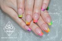 Neon French in bunten Farben - coole Nailart Acrylnägel
