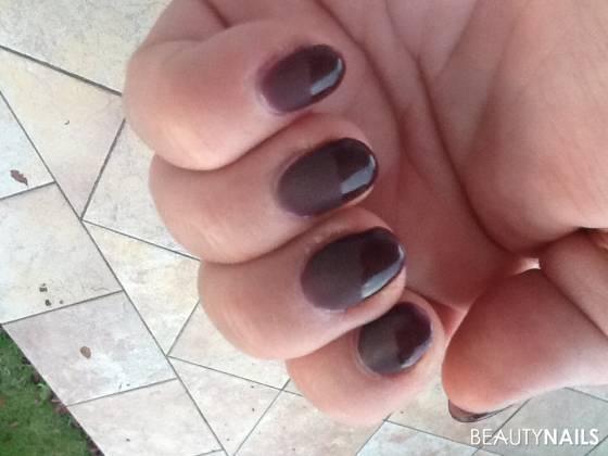 gelnägel farbe ruoge noir von jolifin mit mattlook Anfänger
