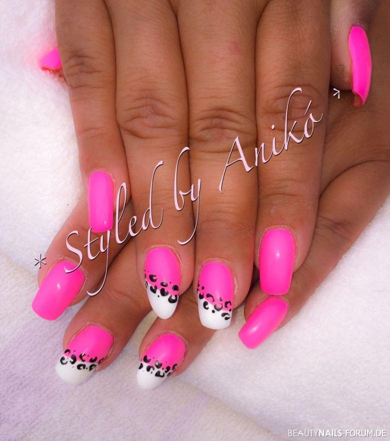 neon baby pink white leo nails sommer. Black Bedroom Furniture Sets. Home Design Ideas