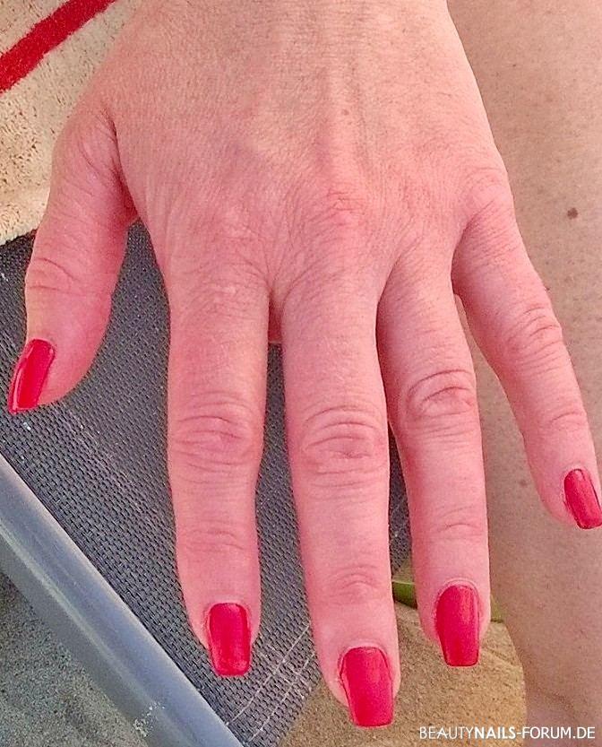 Sommerliche orange-rote Fingernägel Frühling- & Sommer