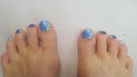 Füße in blau mit Strip und strass Füsse