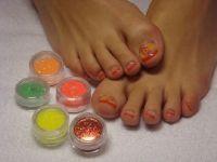 Fuß-UV-French in rot mit Früchten Füsse