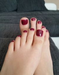 Fußnägel dunkel-rot - Fullcover mit Strass Füsse
