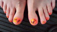 Neon Orange mit schwarzen Stamping Schmetterling Füsse