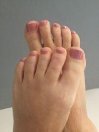 Nudefarbener Roséton Fullcover Füsse