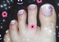 white french mit lila rosen und strasssteinchen Füsse