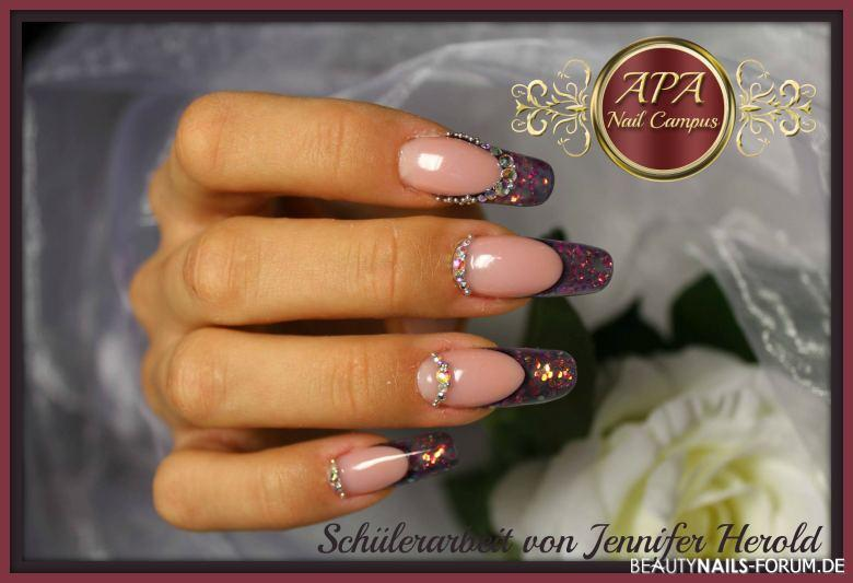 ausgefallene elegante nailart mit glitzer und steinen geln gel. Black Bedroom Furniture Sets. Home Design Ideas