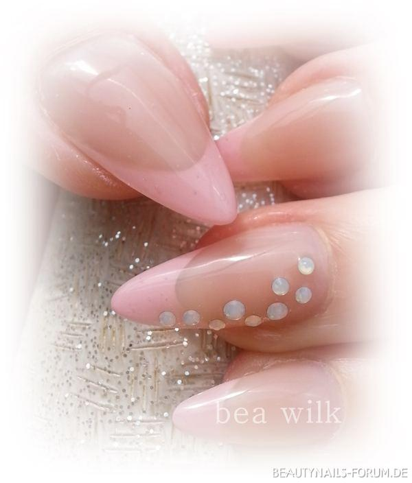Barbie rosa Nailart