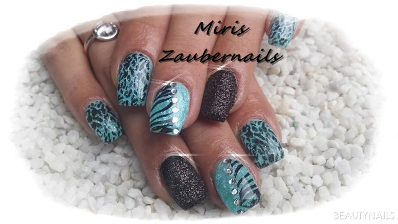 blau/schwarz mit sandoptik