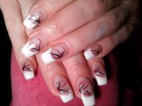 French Look mit Nailart Gelnägel
