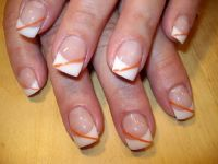 French weiß mit Metallic orange Gelnägel