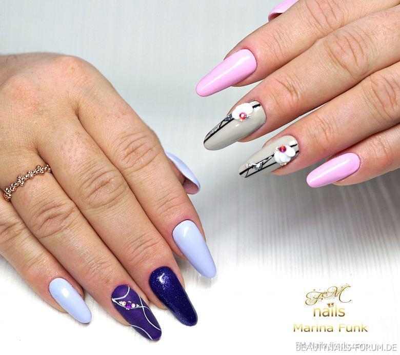 Frühlinghafte Nägel in Pastelltönen Gelnägel