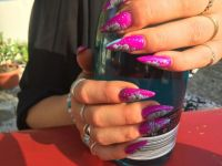 Fullcover in Neon-Purple mit One stroke Design Gelnägel