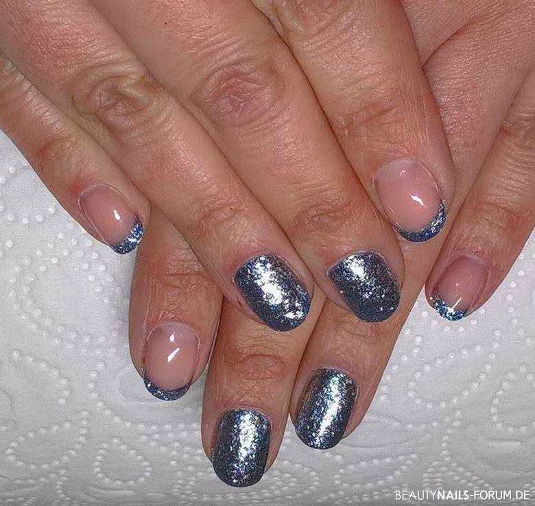 Glitzerndes Design French und FC in Chrome Gelnägel