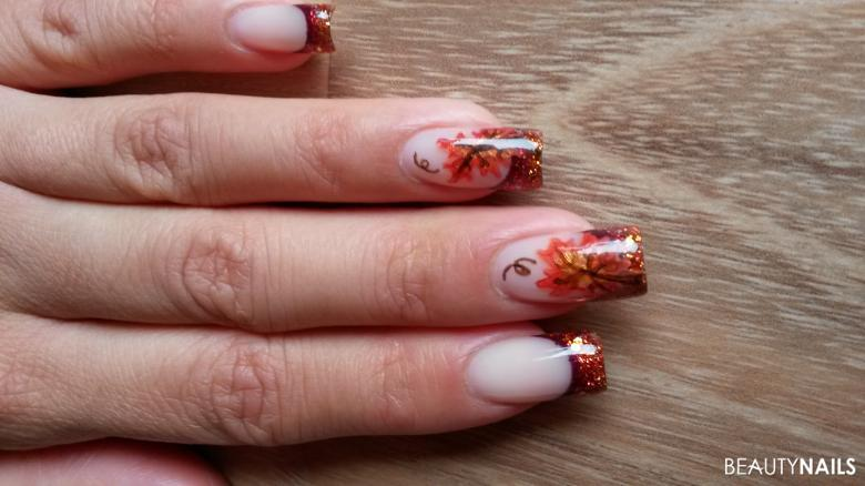 Herbstnägel Nageldesign Muster