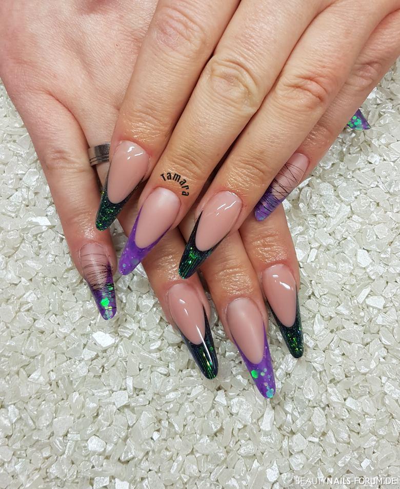 Lange moderne Mandel in lila / grün Design Gelnägel