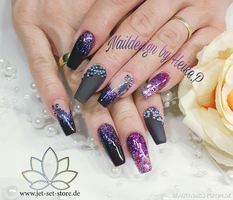 Matt und Glanz in Schwarz und Violett mit viel Glitzer Gelnägel lila schwarz - X-Power Bond X-Power Speed Farbgel Violett Mixglitter Extrem Nailart