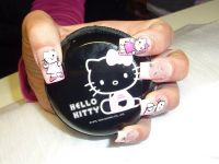 mit Hello Kitty Dose ;-) Gelnägel