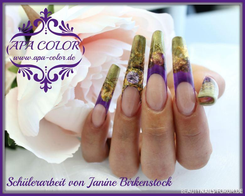 Nailart Acryl mit Glasfarbe in gold und lila Gelnägel