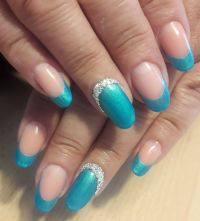 Nailart Fullcover und French in Blau Gelnägel