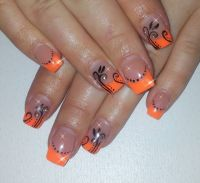Neon Orange mit Malerei Gelnägel