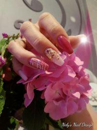 Pastell pink mit Bronze Glitzer Gelnägel