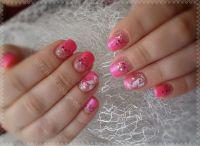 Pink mit Glitzer Gelnägel
