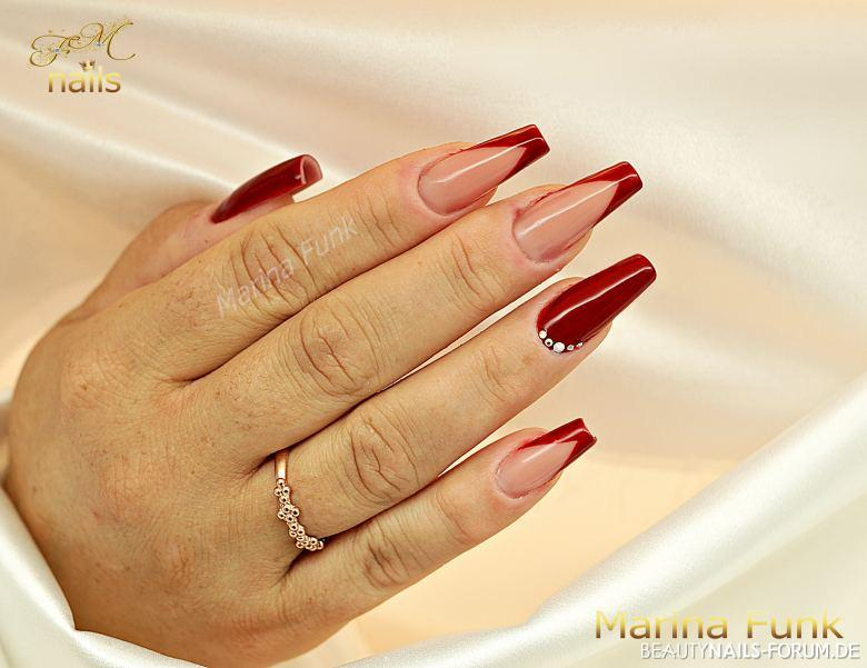 rotes French Nageldesign - Ballerina-Nägel Gelnägel rot - Neumodellage Gel Nailart