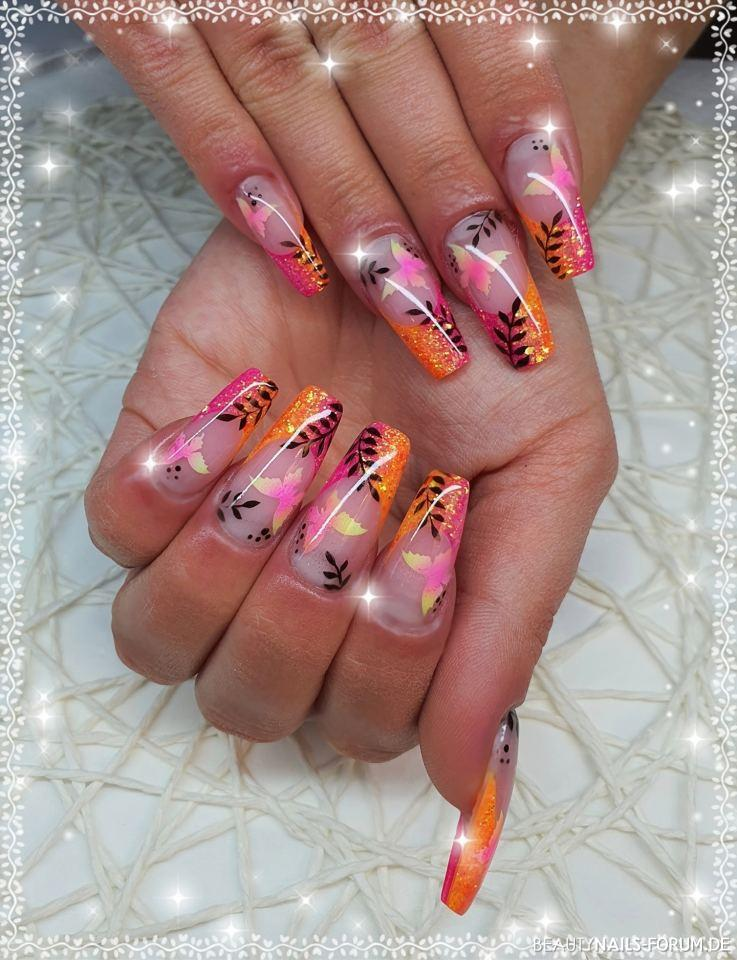 Sommerliches Design Gelnägel pink orange - Gelmodellage French Glitter Pink und Orange mit Airbrush Design. Nailart
