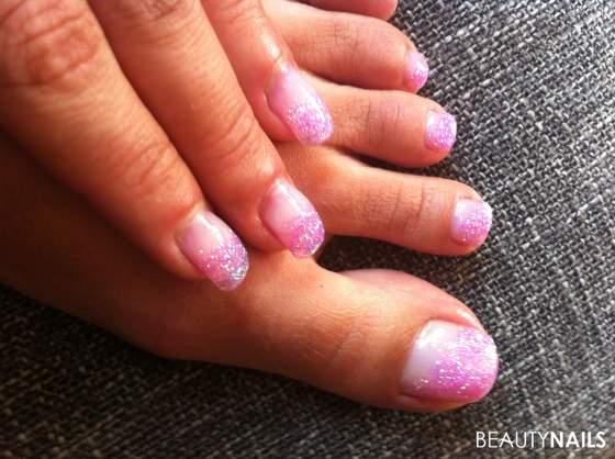 pin nails mit rosa glitter und glitter st bchen on pinterest. Black Bedroom Furniture Sets. Home Design Ideas