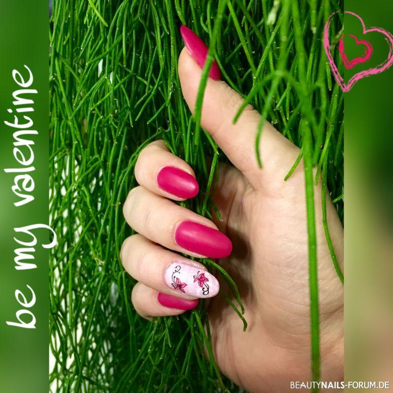 Valentinstag Nageldesign Nägel in seidenmatt mit rosa Gelnägel
