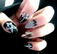 Gelnägel in schwarz / Chrom mit nailart - Gothic Style Halloween Nägel
