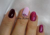 Nageldesign Dunkelrot, lila-pink Glitter und Steine Herbst-Nägel
