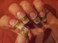 Acrylnägel mit Herz, Perlen und Gold - Acrylnagel Modellage mit Schablone Hochzeitsnägel