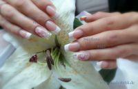 Glitzerfrench und Blume Hochzeitsnägel