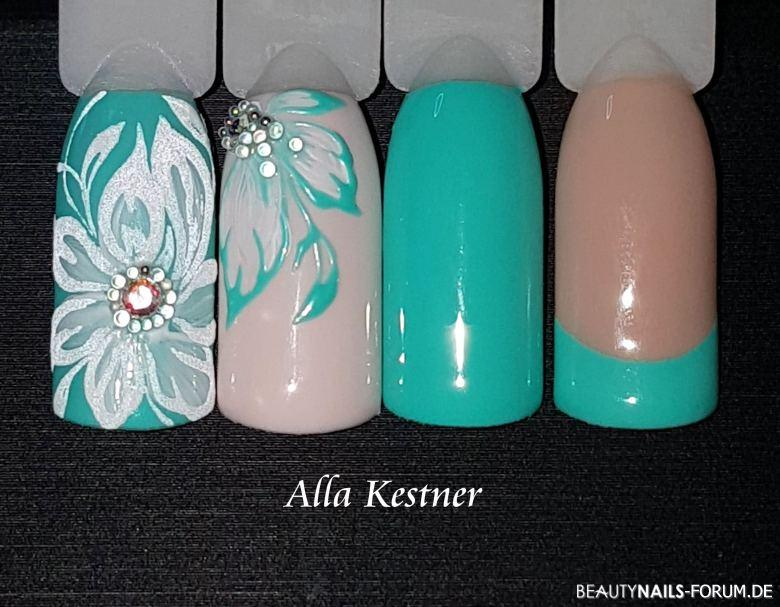 Musterdesign in Mint mit Blumen