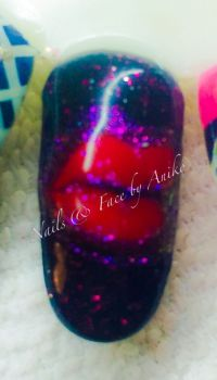 Red Lips in Black & Pink-Glitter Mustertips