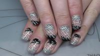 2 Farbiges Nageldesign mit stamping Nageldesign
