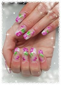 Acrylgel Modellage mit One Stroke Blumen Nageldesign