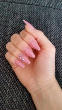 Ballarina nails in Darkrosé mit strass Nageldesign