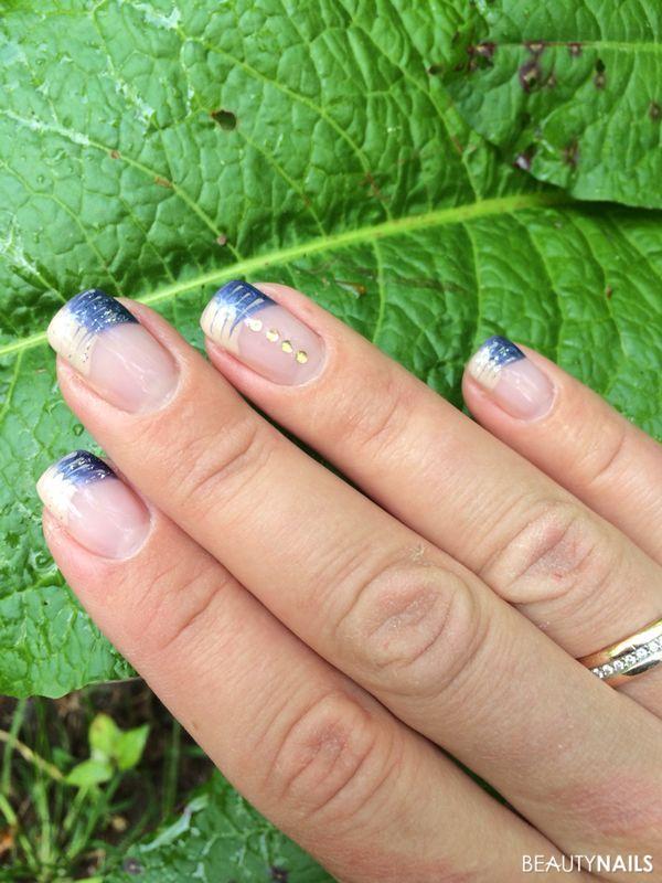beige-blau und Steinchen