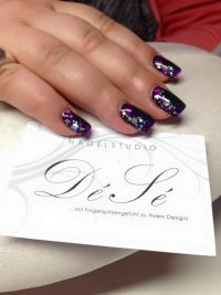 Black mit Laserglitter Nageldesign