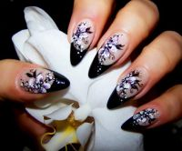 black smile & floralis .. Nageldesign