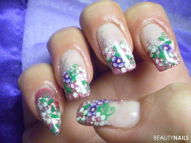 Blumen Blumen und noch mehr blumen Nageldesign