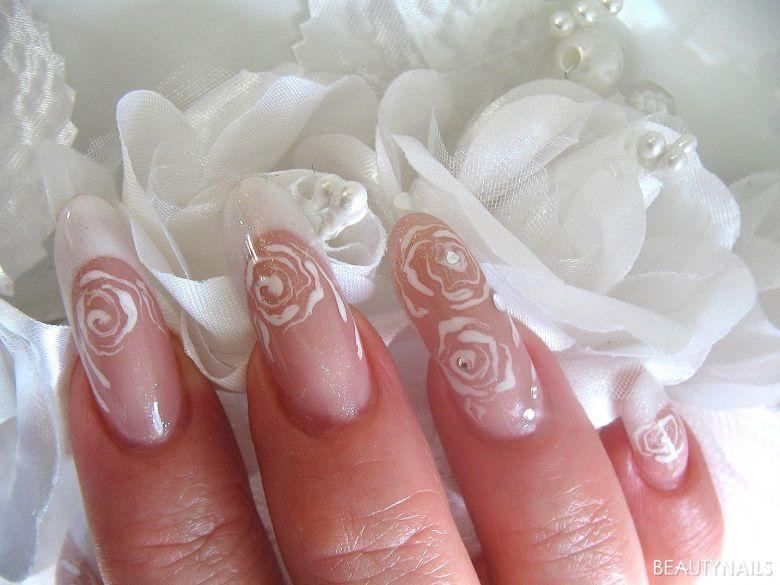 Brautnägel Rosen Nageldesign